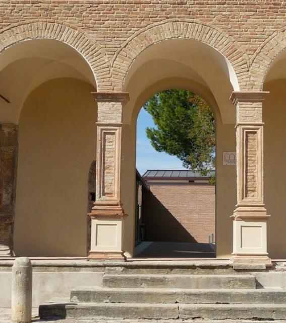 """La Diocesi di Rimini ha i conti in rosso e prova a farsi """"francescana"""""""