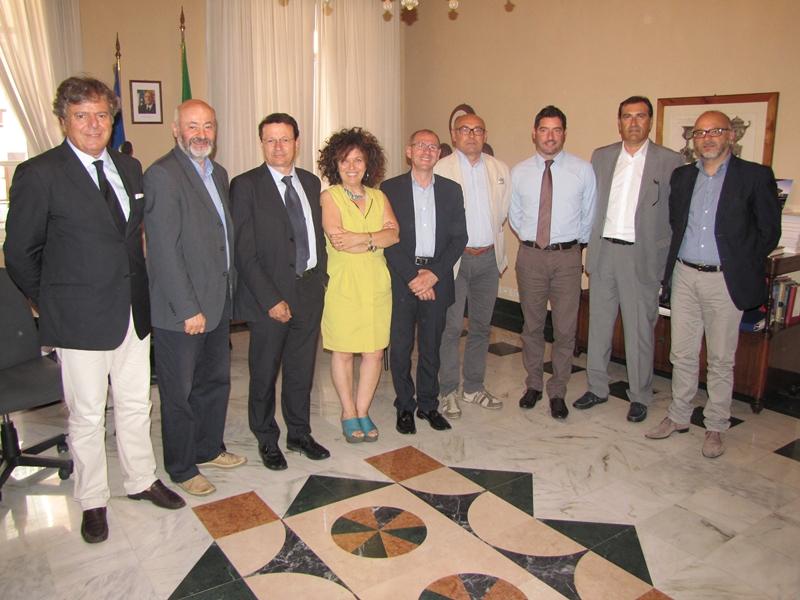 Organizzazione Della Camera Di Commercio : Rimini insieme a forlì e cesena nella camera di commercio della