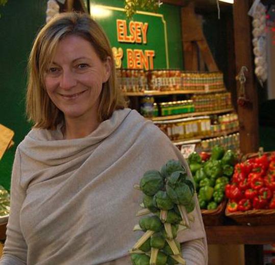 """La columnist gastronomica del Telegraph diventa la """"Lella"""" del Regno Unito"""