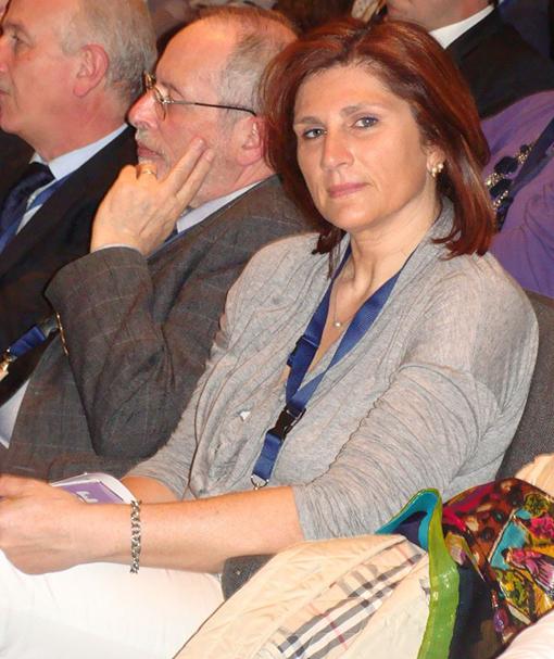 Giuliana Moretti fa campagna per Gnassi, ma per condizionarlo