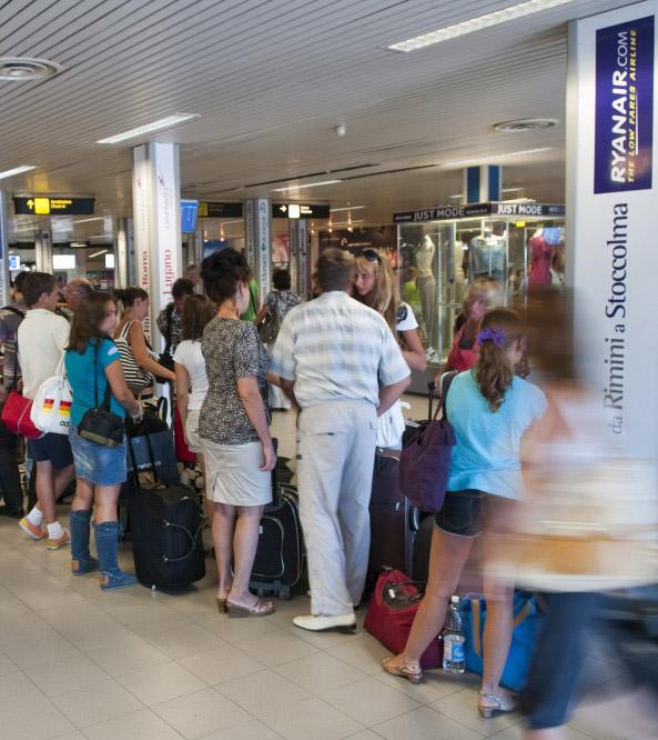 Tutti voli di linea per l'aeroporto di Rimini?