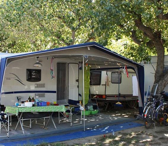 Imposta di soggiorno più leggera ma solo per agriturismi e campeggi