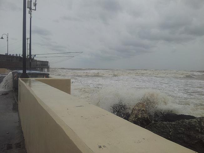 Via col vento, Rimini spazzata dal maltempo
