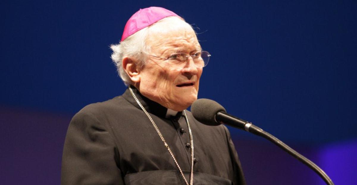 Mons. De Nicolò vive coi monaci dossettiani di Monte Tauro