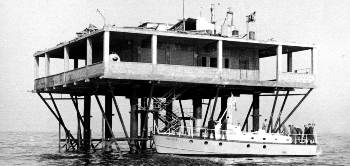 50 anni fa spuntava dal mare di Rimini l'Isola delle Rose