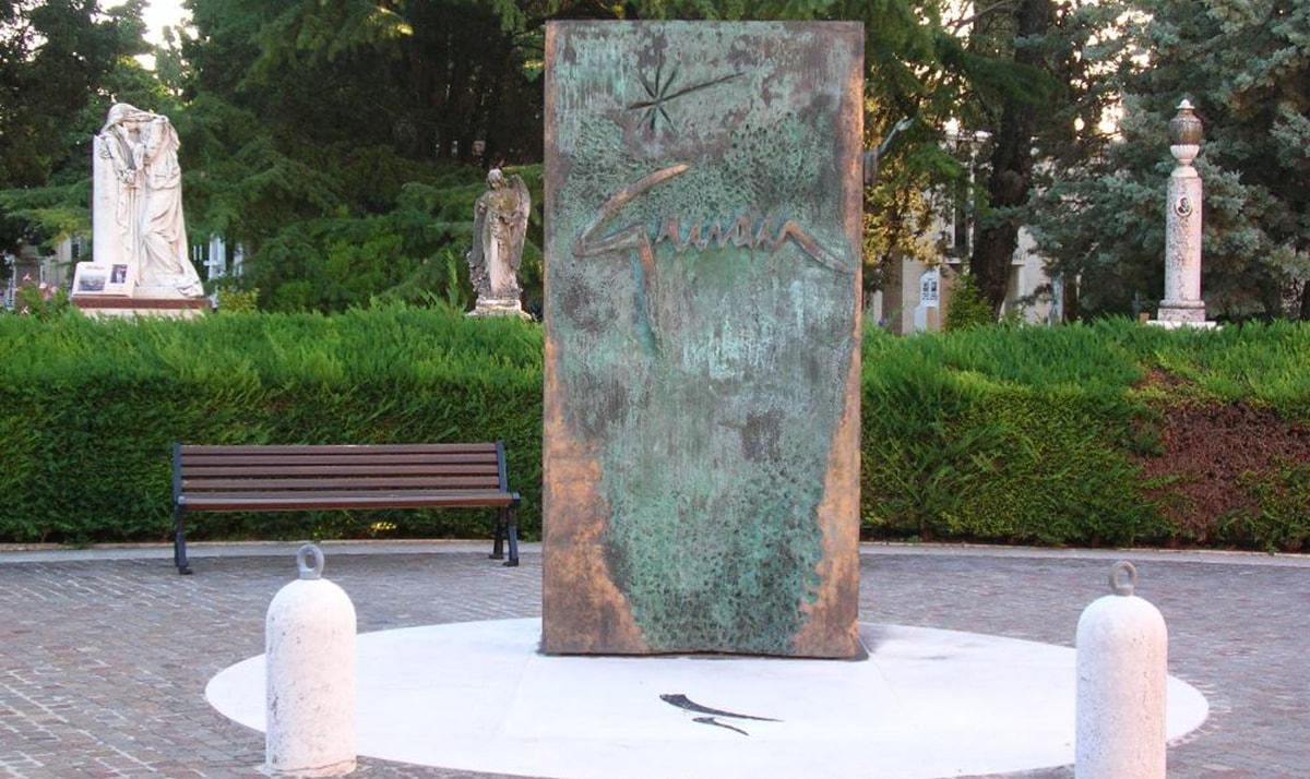 L'ingrato destino di Gruau a Rimini: ancora senza risposta il giallo delle 35 opere sparite nel nulla