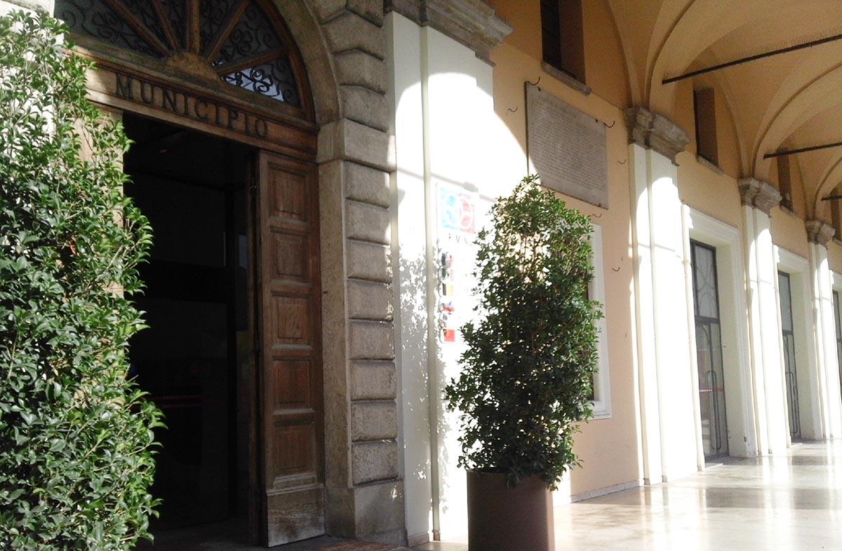 Sfratto alla coppia di anziani: il Comune di Rimini replica e noi pure