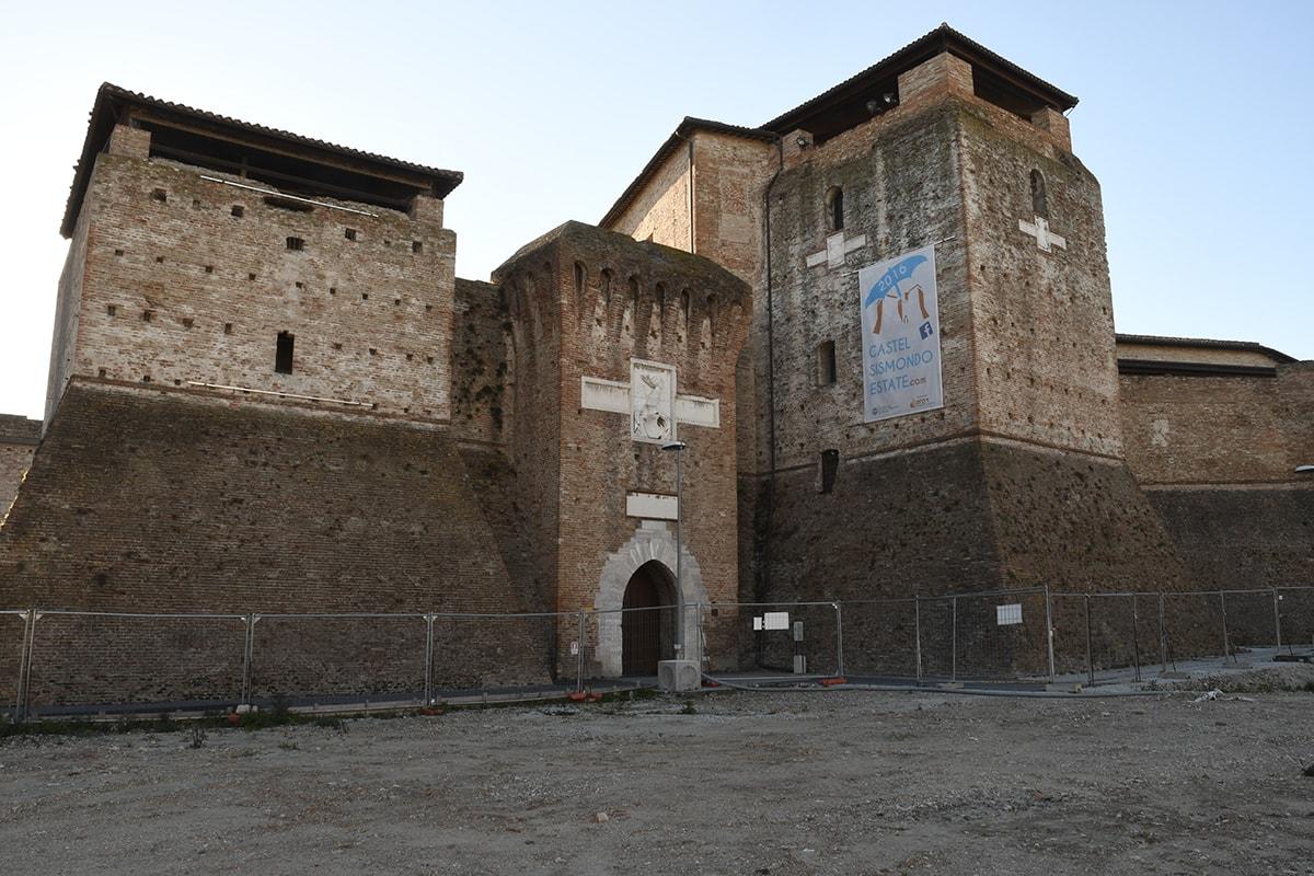 Abbracciamo Castel Sismondo. Il prof. Rimondini contro la fellinizzazione dell'opera del Brunelleschi