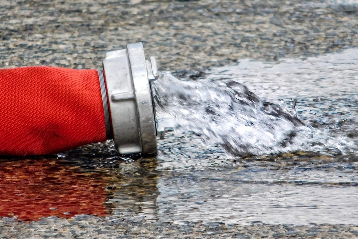 """""""Oro blu"""", quasi un terzo viene buttato via: negli ultimi 12 anni le perdite idriche aumentate del 12,5%"""