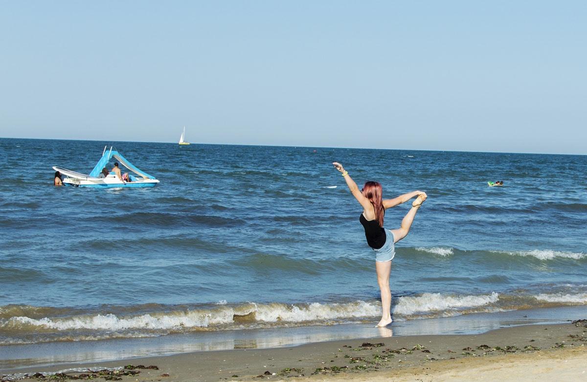 Passeggiando in riva al mare per capire che estate è