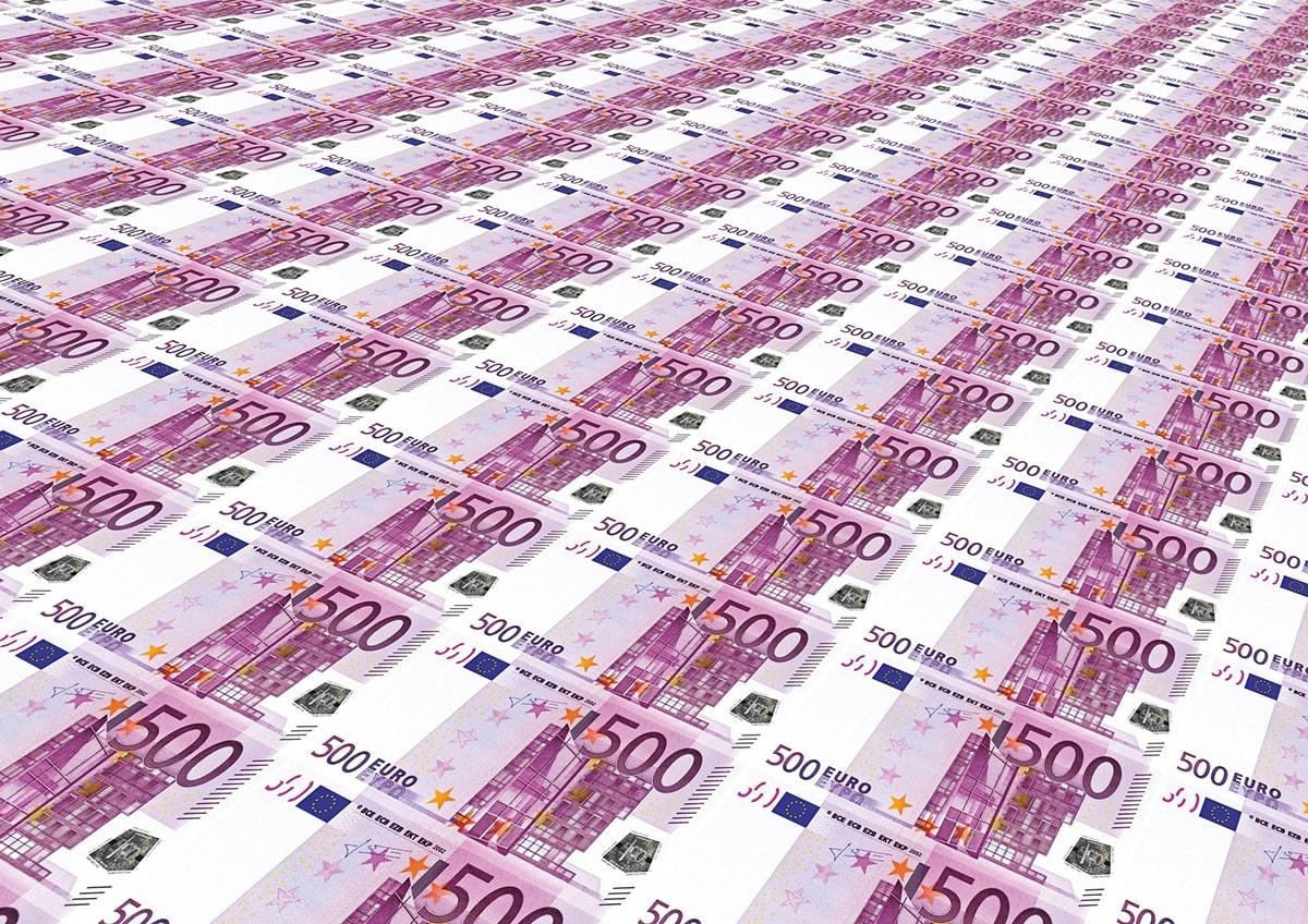 Banche: sempre meno prestiti a imprese e famiglie riminesi