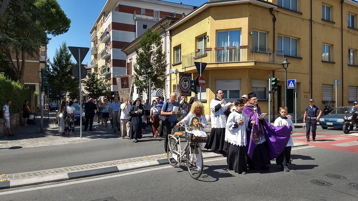 """""""Trattati come lebbrosi dalla Chiesa di Rimini"""""""