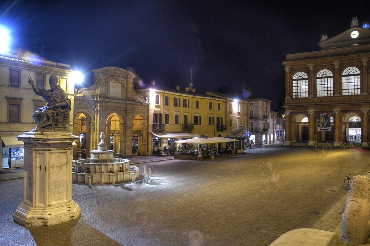 Scene agghiaccianti di una sera estiva qualsiasi nel cuore di Rimini