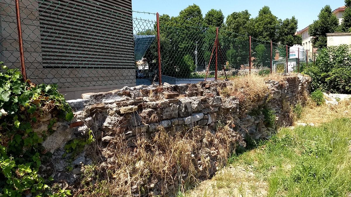 A Rimini ci sono mura malatestiane intoccabili e altre trivellabili