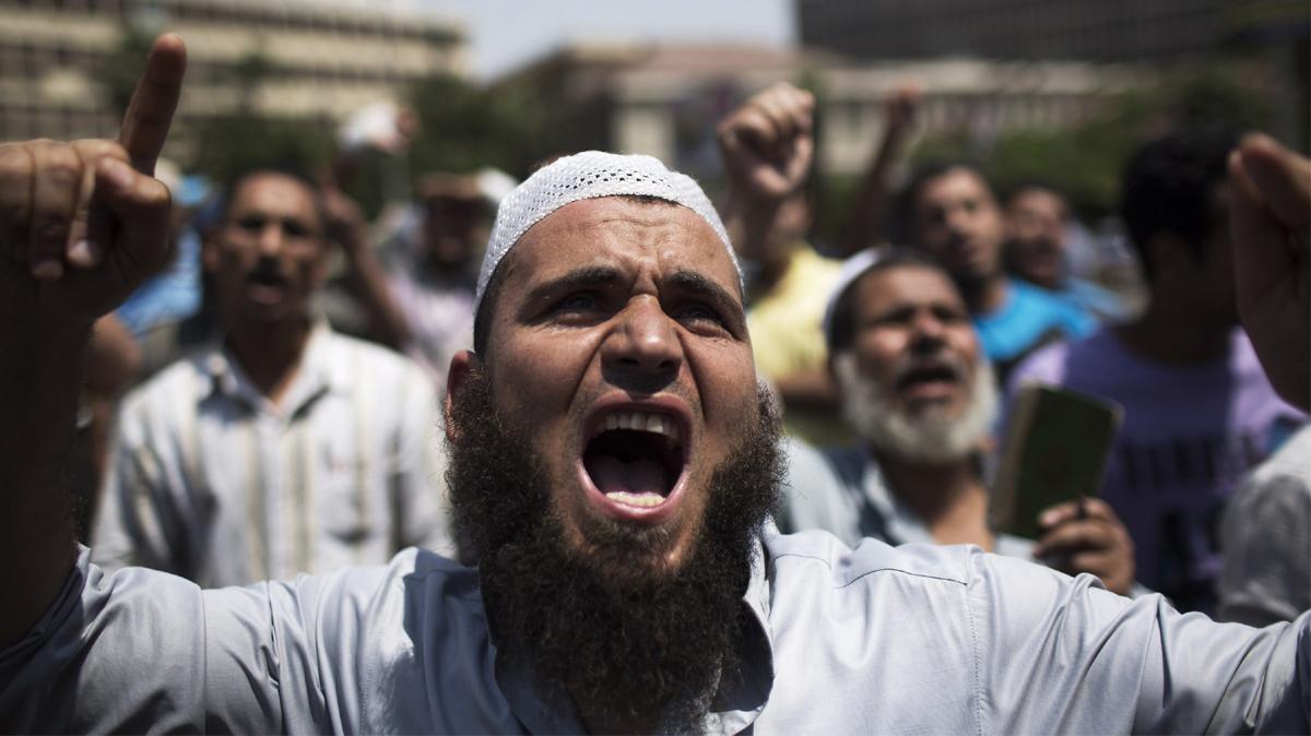 Permettono l'islamizzazione e se la prendono con chi si oppone. Ma si sono preoccupati di capire chi hanno portato in casa?