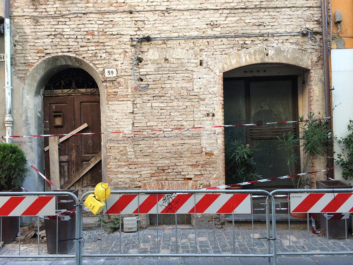Degrado di via Garibaldi: Gioenzo Renzi svela le magagne