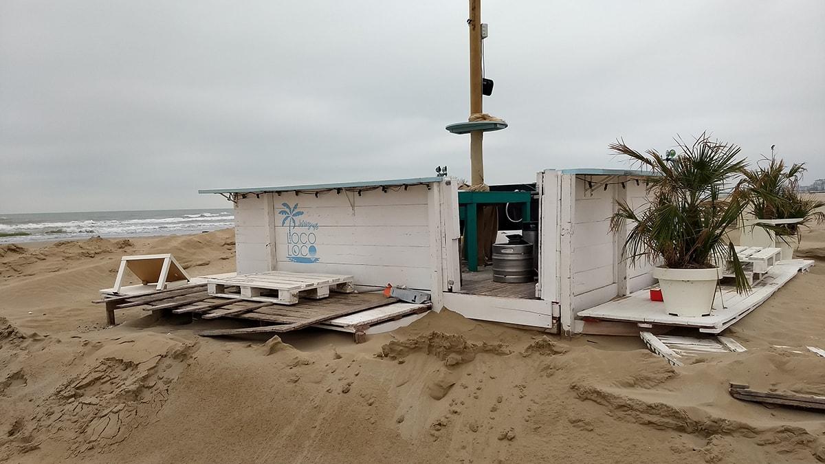 Chi ha dimenticato di chiudere il Chiringuito Beach Bar?