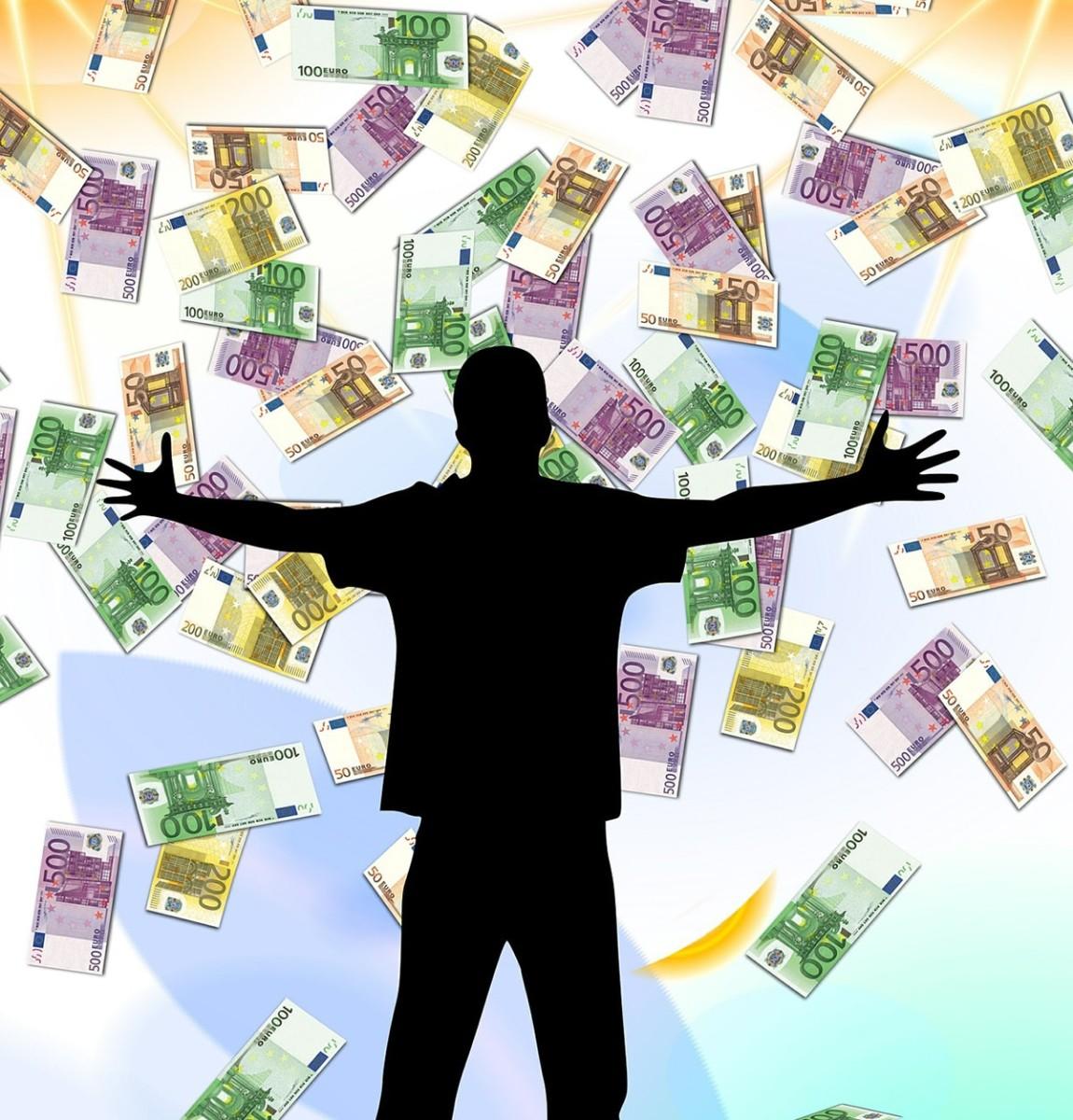 Alla faccia del premio di risultato: 1,158 milioni ai dirigenti del Comune di Rimini