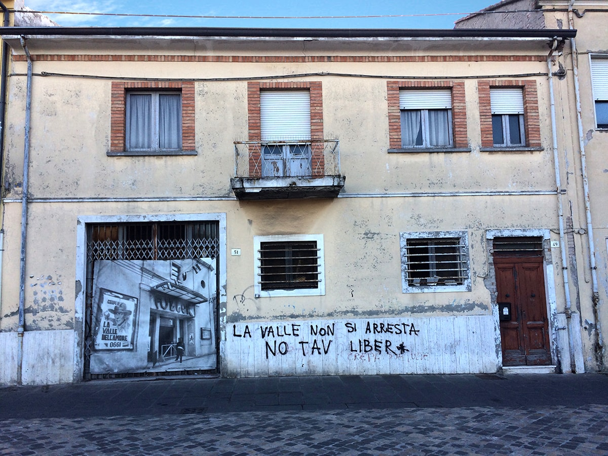 """Via Castelfidardo: ma si può permettere uno """"spettacolo"""" del genere?"""