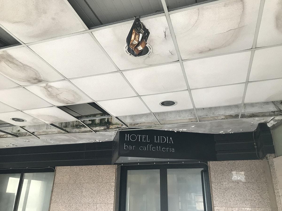 Il destino dell'ex albergo Lidia e un quartiere ucciso dalla chiusura di viale Pascoli
