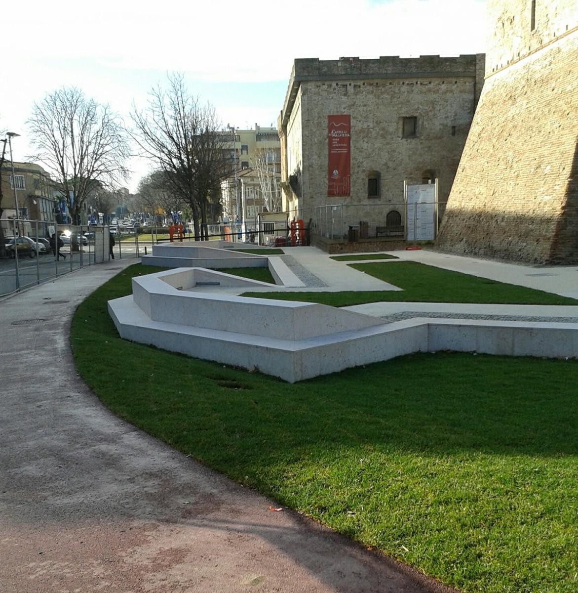 Il Castello di marmo: qui riposa (non in pace) l'antico fossato