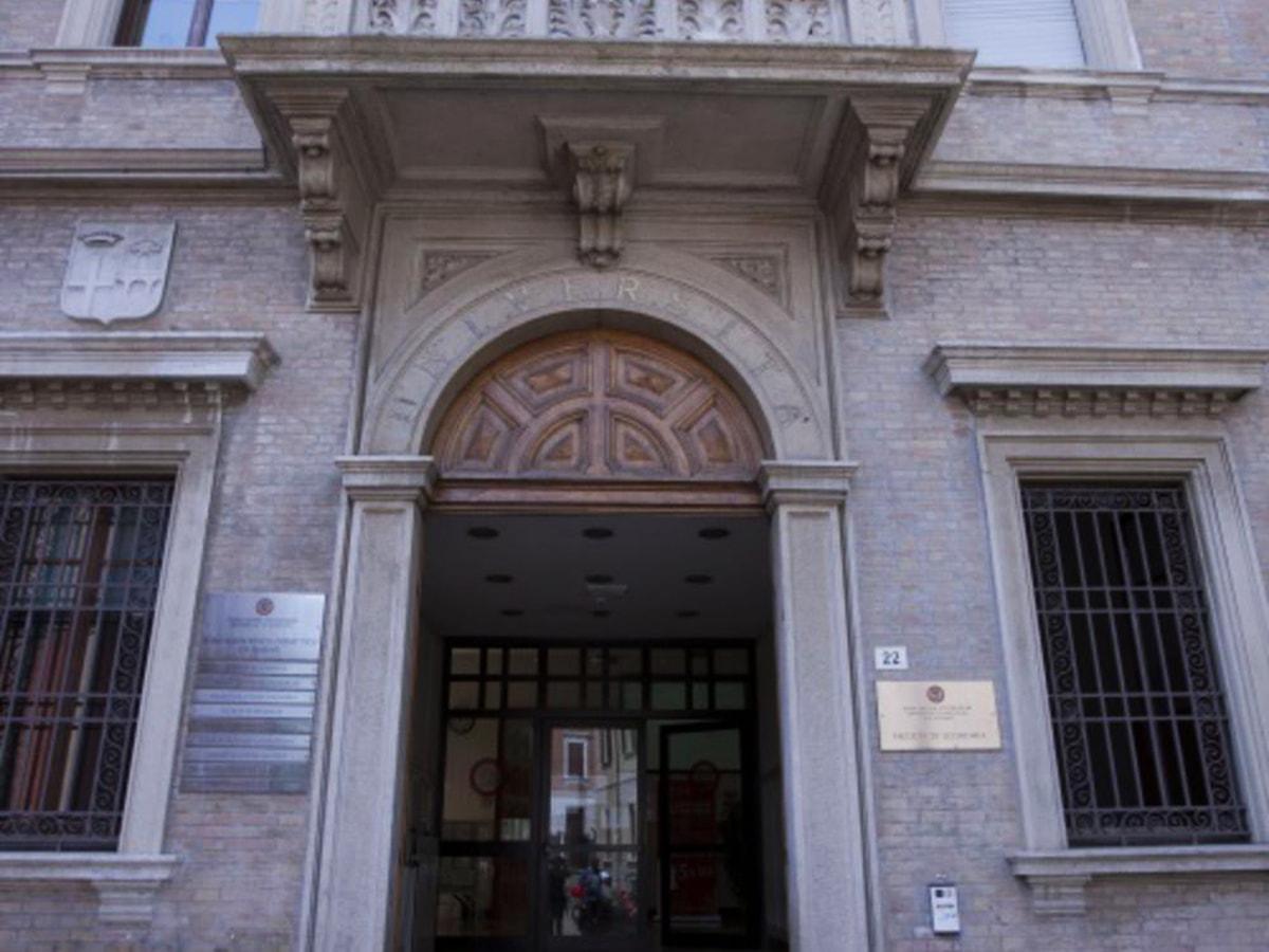 Uni.Rimini non naviga nell'oro ma aumenta la spesa per gli organi sociali