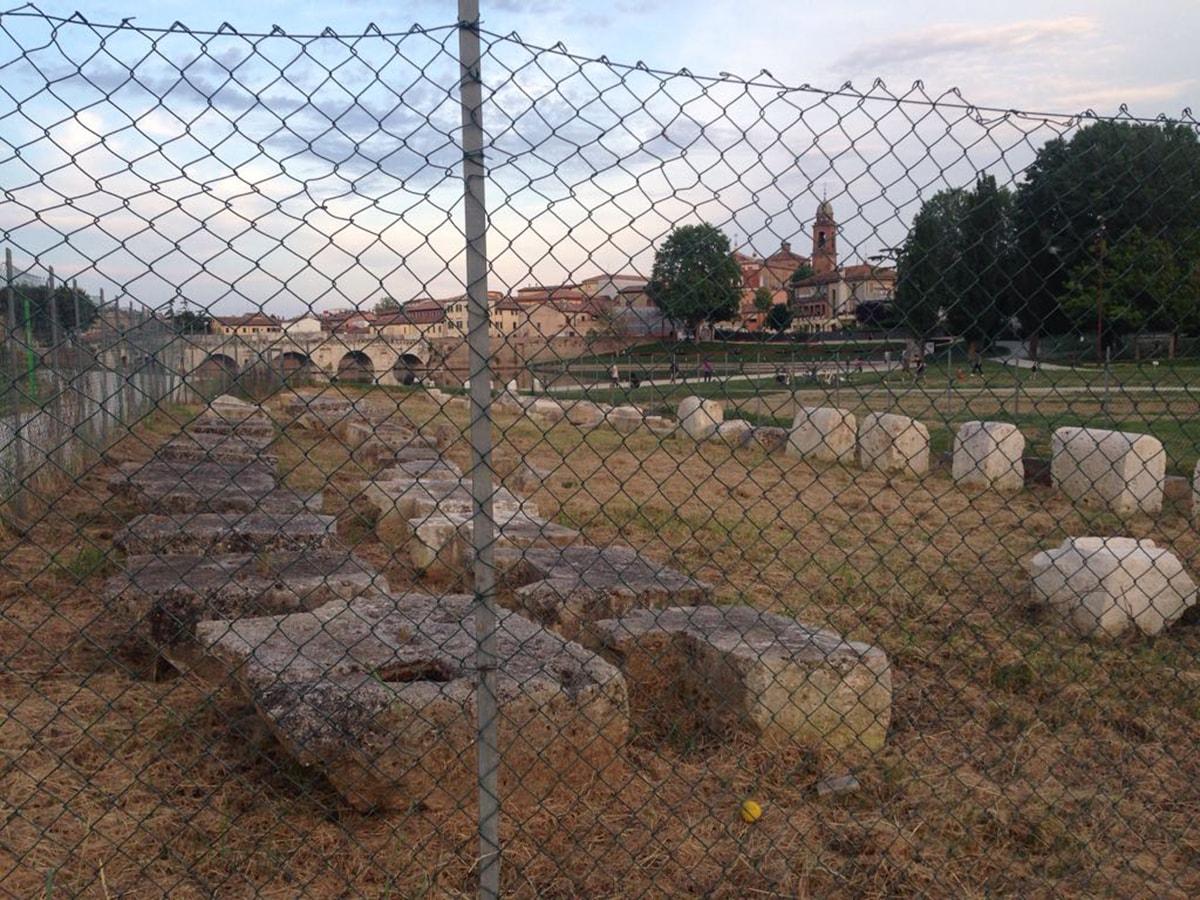 """""""Le pietre raccontano"""" le nuove prodezze archeologiche dell'Indiana Jones di palazzo Garampi"""