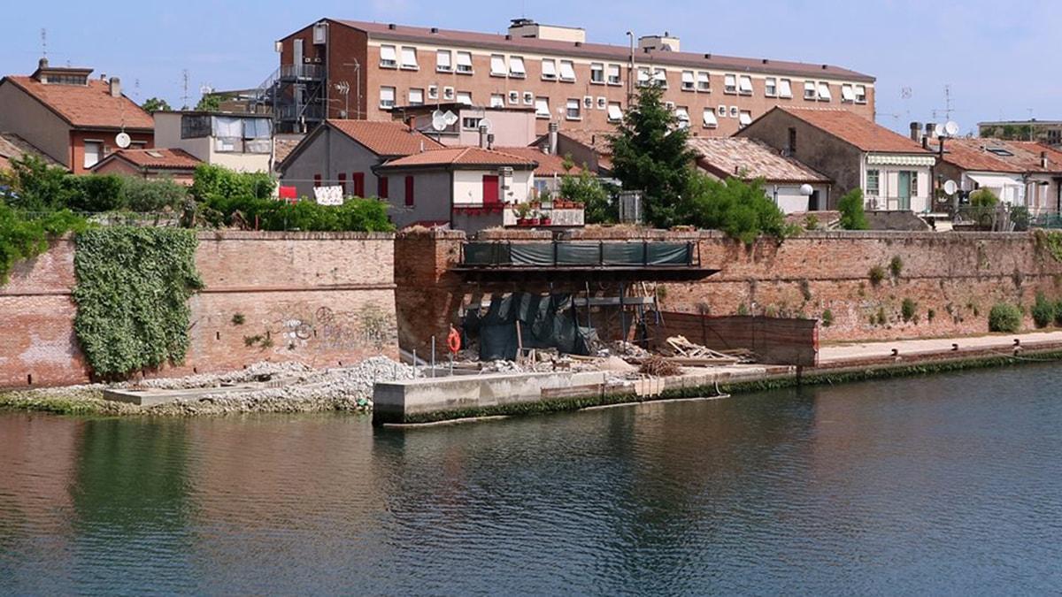 """Per il balcone (piazzetta Pirinella) di """"Andrea e Giulietta"""" partono altri 135 mila euro"""