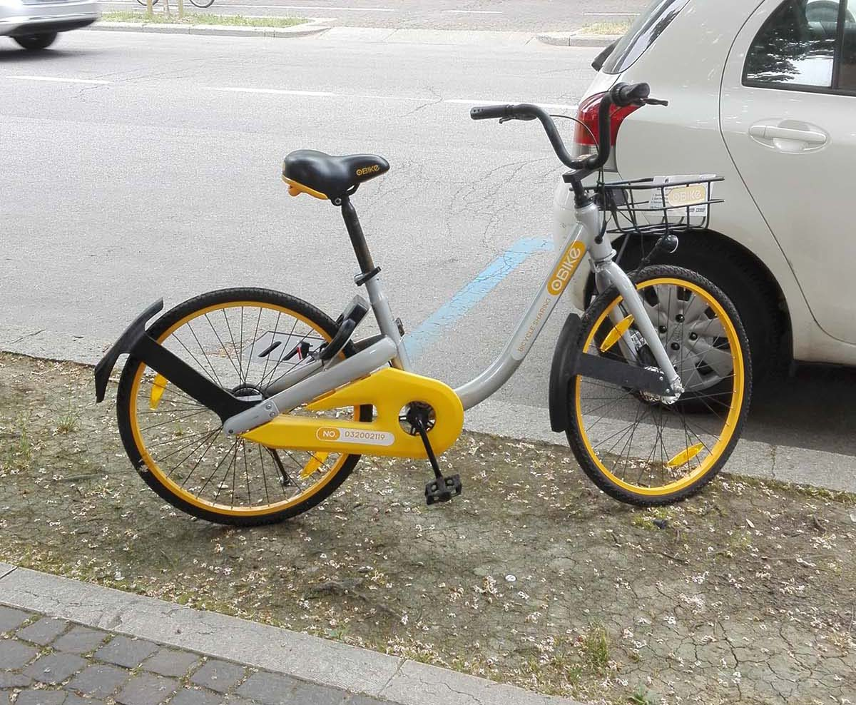 "Bike sharing ""free floating"" e le bici finiscono ovunque"