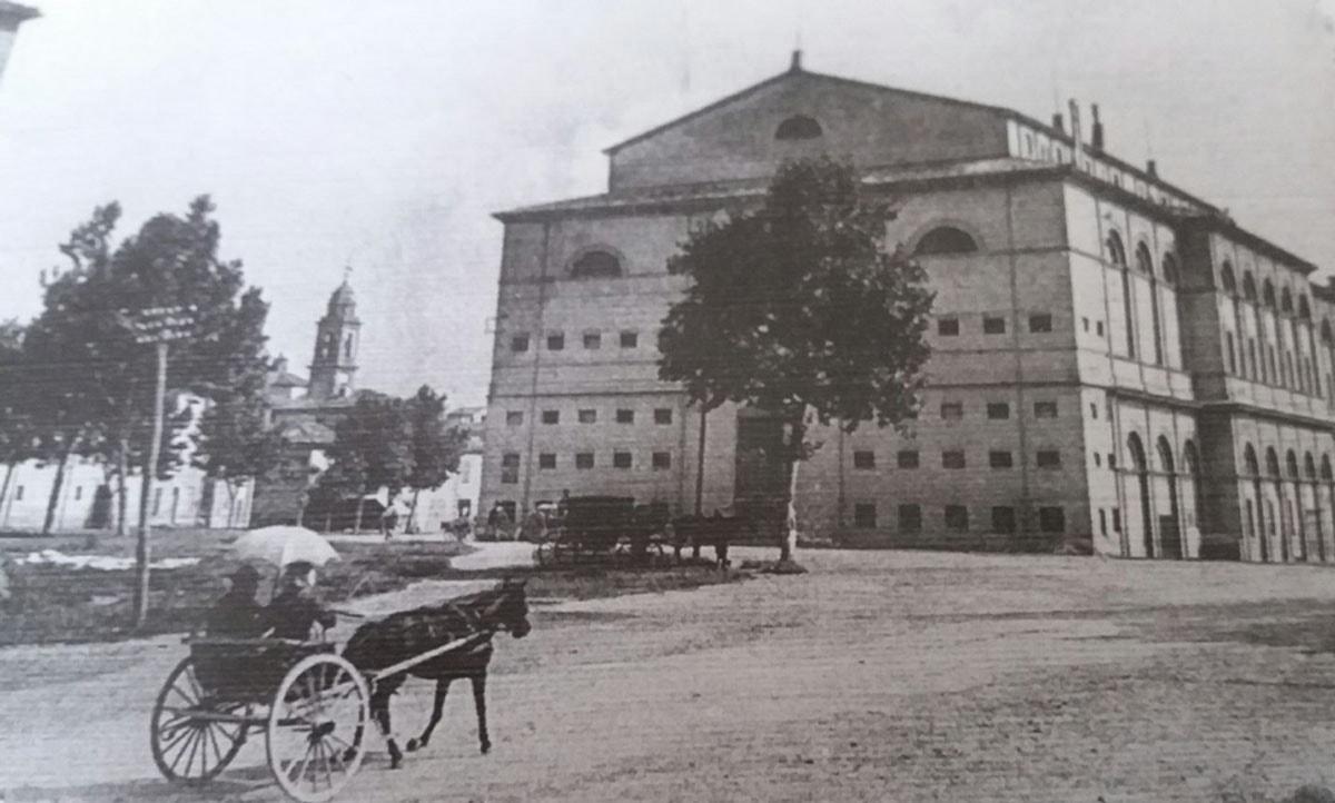 Il teatro Galli com'era e com'è