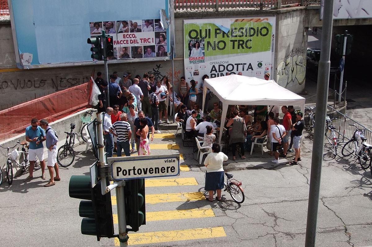 """Oggi le comiche: il Pd che col TRC ha reso Riccione un giardino zen, accusa la Tosi di """"deturpare"""" la città"""