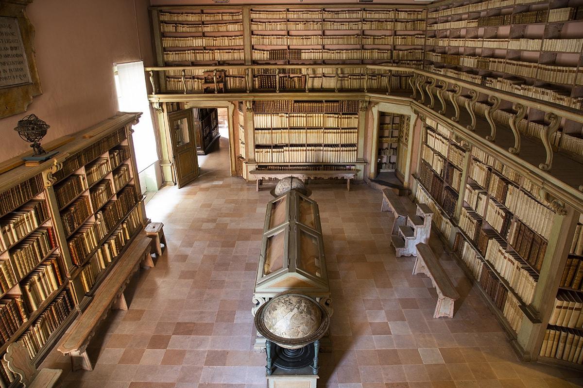 Favolosa Gambalunga: la biblioteca che il mondo ci invidia