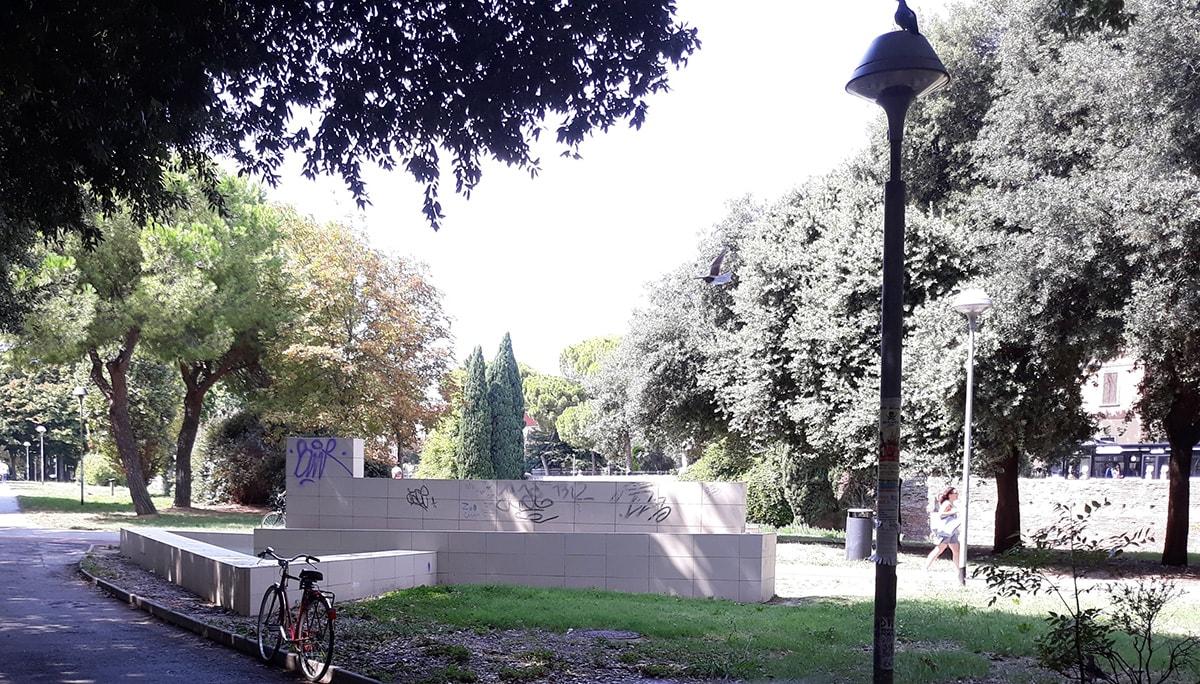 La triste fontana nel parco Cervi