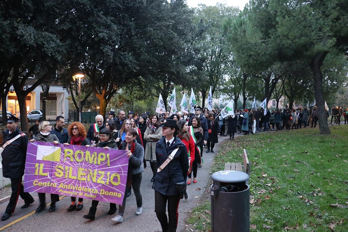 """""""E' per te"""": Rimini contro la violenza alle donne"""