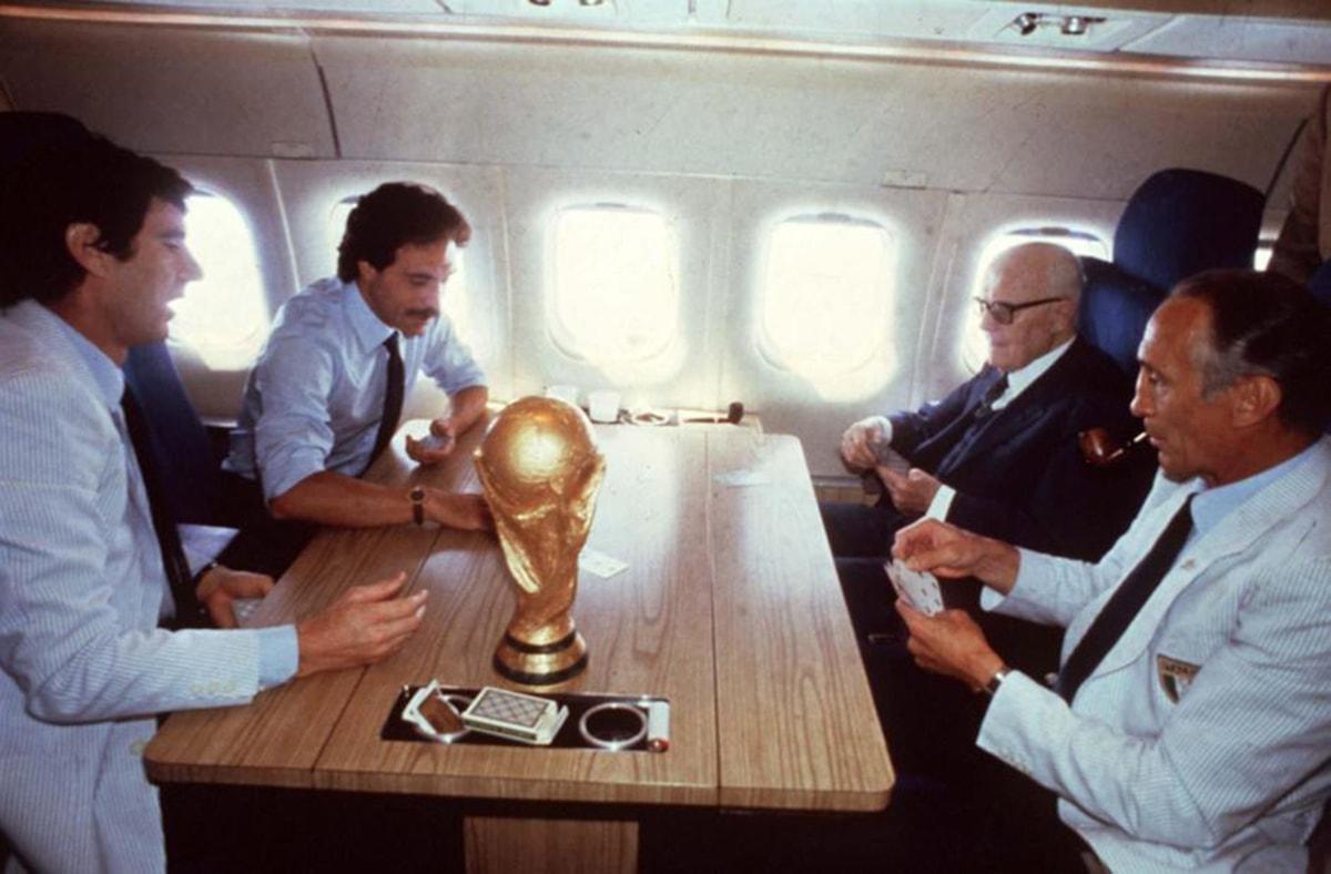 """Rivelazioni: il vero """"miracolo"""" dei mondiali di calcio del 1982 porta a Rimini"""