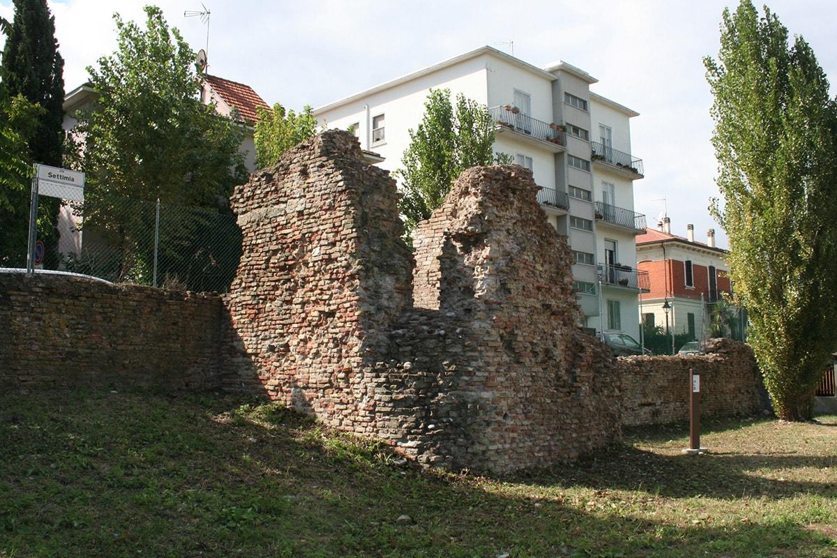 """""""Restauro e valorizzazione delle mura storiche"""": il progetto di Davide Frisoni"""
