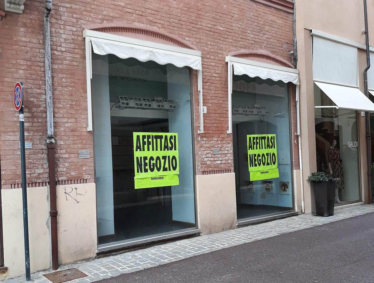 """La lettera: ecco il triste """"censimento"""" dei negozi chiusi nel centro storico"""