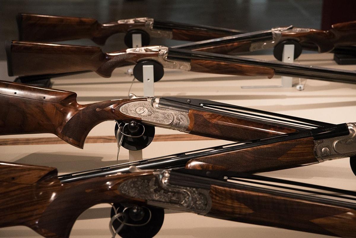 """""""Populisti"""": Ieg spara sulle associazioni che la menano sulla """"fiera delle armi"""""""