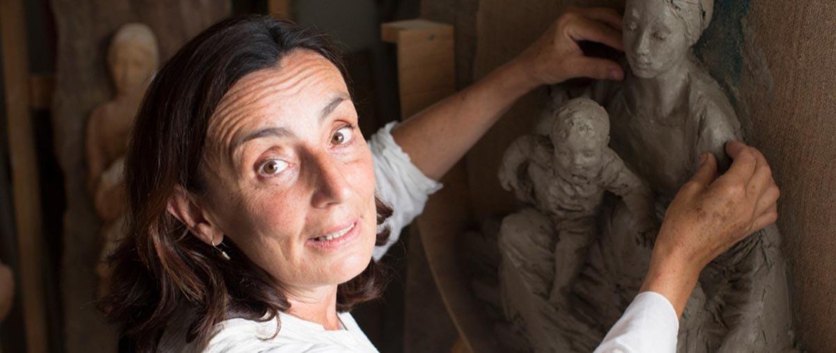 Alla scultrice Paola Ceccarelli il premio alla produzione artistica al femminile