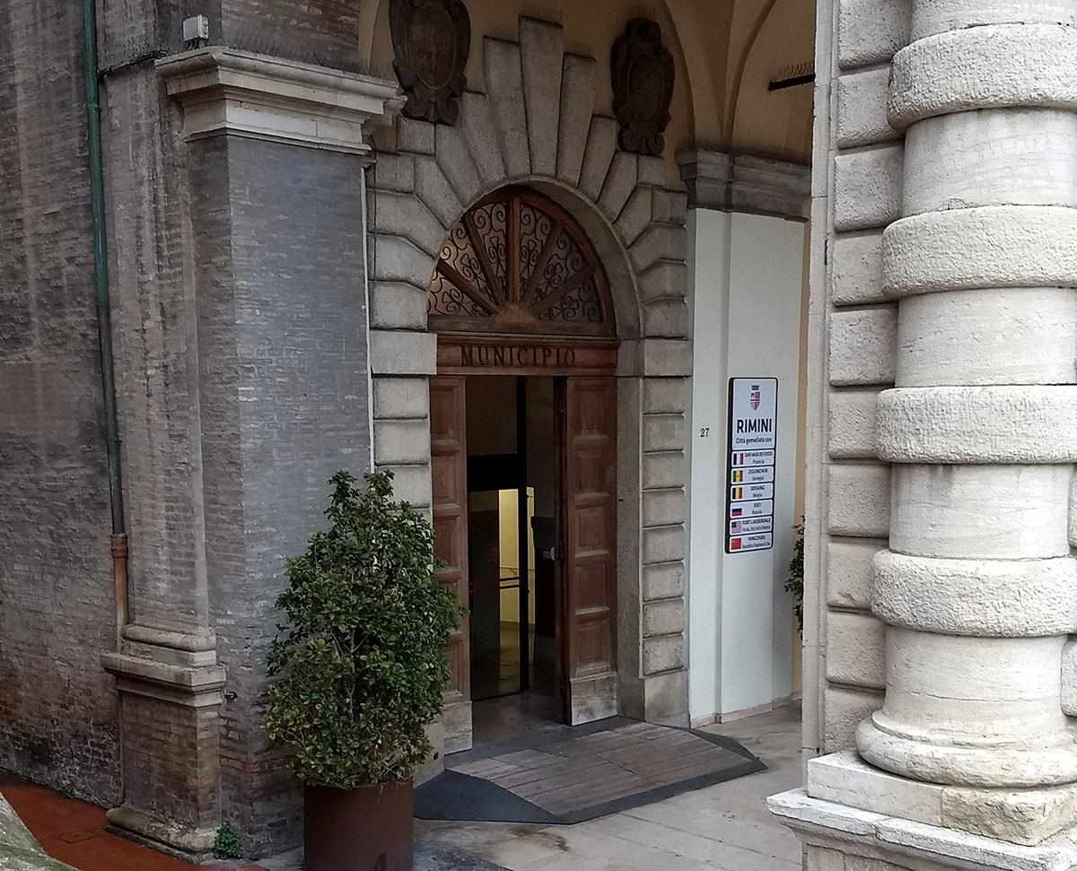 """""""Rivedere al ribasso i contratti di affitto per le piccole imprese"""", dice il Comune, che però cosa sta facendo?"""
