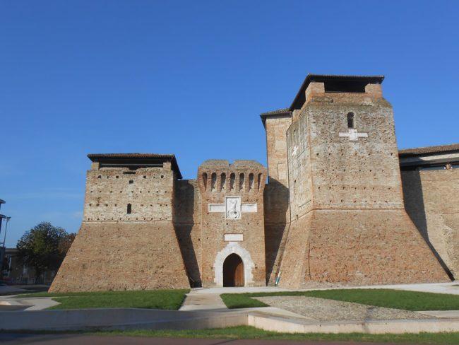 Letto A Castello A Rimini.Cesare Sta Arrivando A Savignano Si Celebra Il Passaggio Del