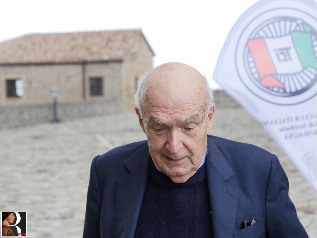 Paolucci cittadino onorario di San Leo regala pennellate poetiche sul Montefeltro