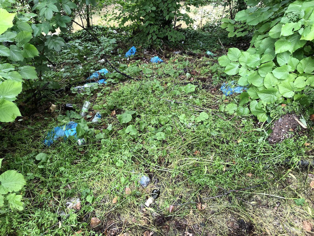 Segnalare rifiuti abbandonati? Peggio di una caccia al tesoro
