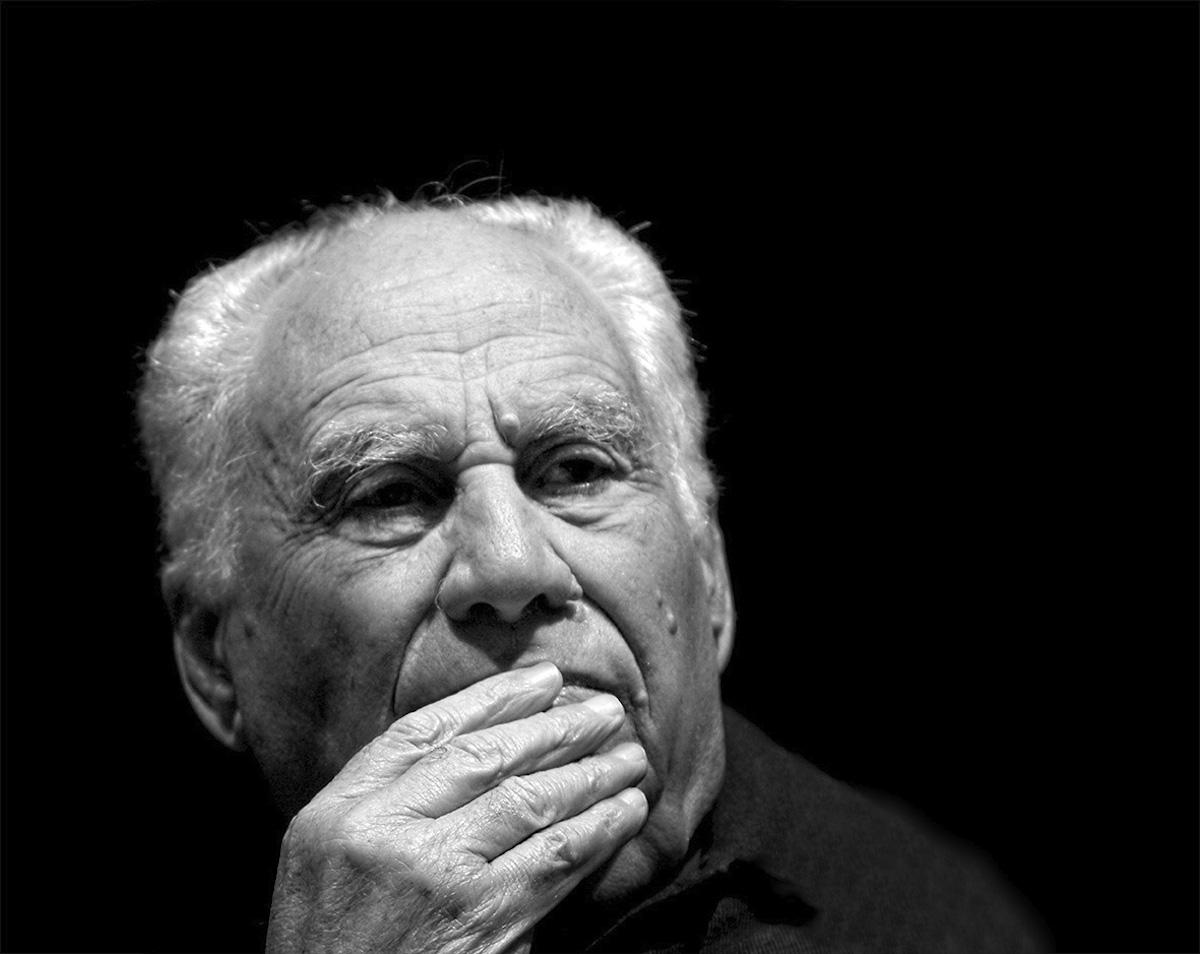 """""""Grati per la paternità di don Giancarlo"""": si inaugura oggi la mostra alla Gambalunga"""