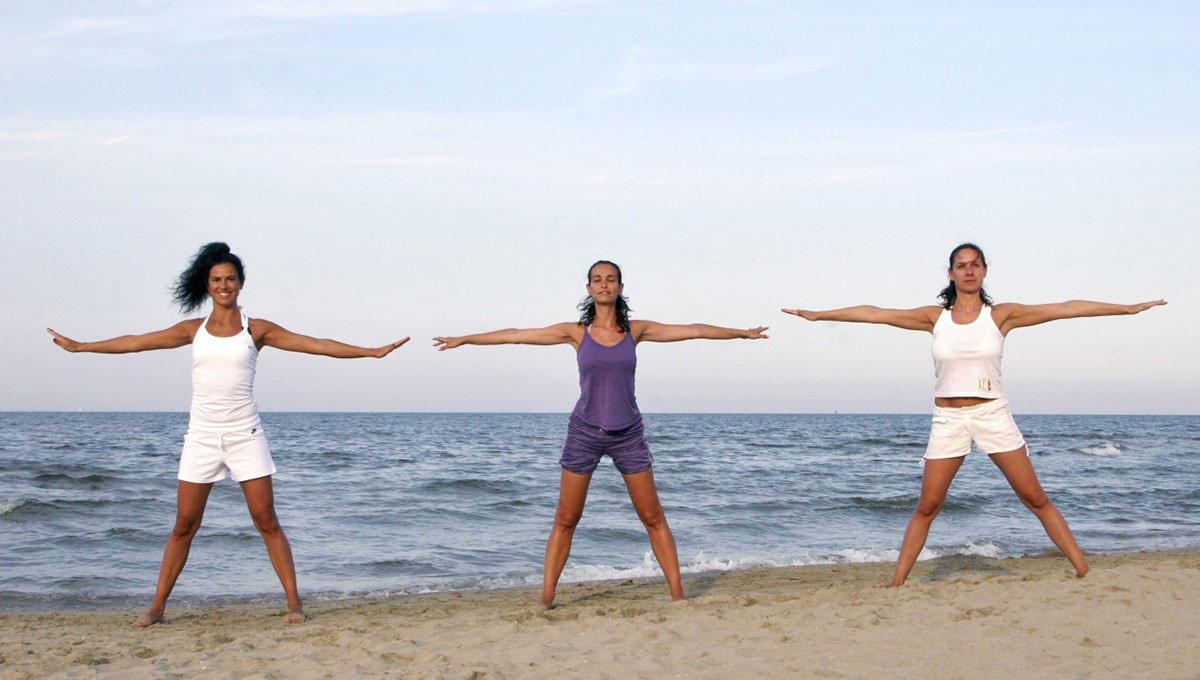 Bonaccini vieta le spiagge: assurda la scelta, micidiale il messaggio