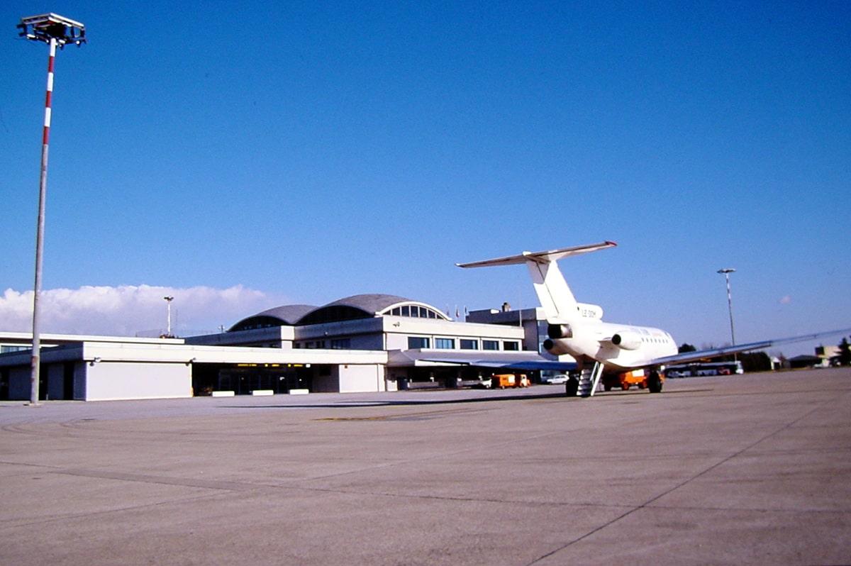 L'aeroporto con le ali (s)piegate