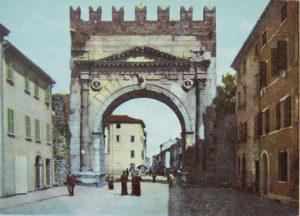 L'Arco d'Augusto porta di Rimini, com'era in passato