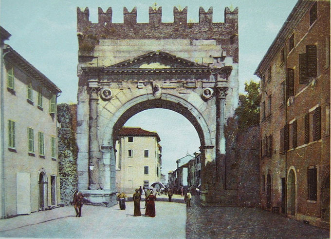 L'Arco d'Augusto di Rimini da cruna dell'ago a spartitraffico