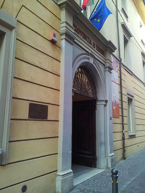 Provincia in bolletta: strade chiuse e i dipendenti lasciano la sede di corso d'Augusto