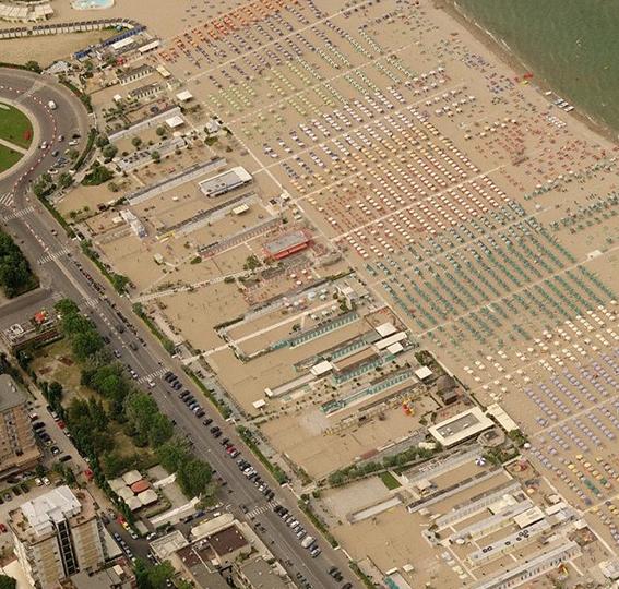 """Corte UE: """"Le concessioni sulle spiagge italiane vanno messe a gara"""""""